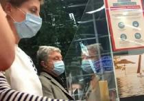 Экс-президента Украины Петра Порошенко опять поймали «на горячем»: в разгар новогоднего локдауна в стране лидер партии «Европейская солидарность» был замечен в районе Эквадора