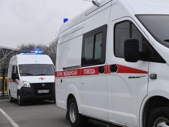 Под Волгоградом пострадала 21-летняя девушка в ДТП с двумя иномарками