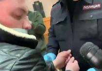 В Уфе суд вынес приговор автомеханику Владимиру Санкину, насмерть забившему мужчину, который домогался двоих подростков, — он получил восемь лет исправительной колонии строгого режима, что вызвало в обществе новую волну негодования