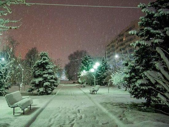 Из-за сильного снегопада и гололеда в Волгограде объявили экстренное предупреждение
