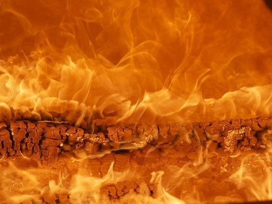 Автомобиль загорелся на трассе «Псков-Изборск»