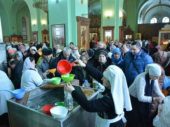 В Ярославской митрополии рассказали, как в Крещение будут раздавать святую воду