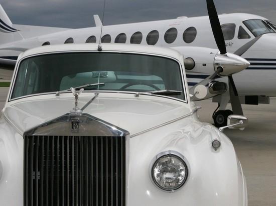 Россияне в 2020 году скупили рекордное число автомобилей Rolls-Royce