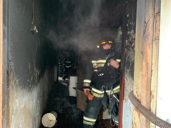 Четырехлетняя девочка попала в больницу после пожара в Комсомольске-на-Амуре