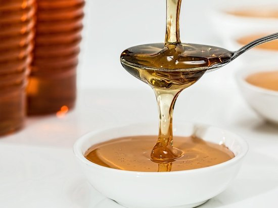 Диетолог заявил, что мёд полезен не всем людям