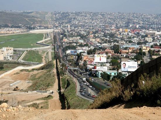 Трамп продлил режим ЧП в связи с ситуацией на границе с Мексикой