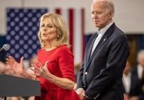 В преддверии переезда избранного президента США Джо Байдена в Белый дом стало известно о планах будущей первой леди Америки потратить 1,2 миллиона долларов на новые санузлы в президентской резиденции