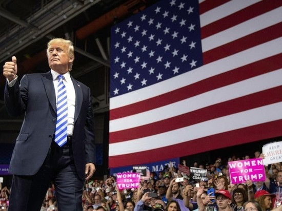 Facebook и Instagram разблокировали Трампа