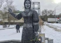Жириновский намерен купить скандальный памятник Аленке