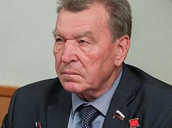 В Москве на 79-м году после осложнений от COVID-19 в больнице скончался легендарный советский и российский военачальник – бывший командующий фронтовой авиацией ВВС России, ликвидатор последствий аварии на Чернобыльской АЭС Герой Советского Союза, депутат Госдумы генерал-полковник Николай Антошкин