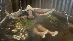 Загитова искупалась в ледяном бассейне: видео