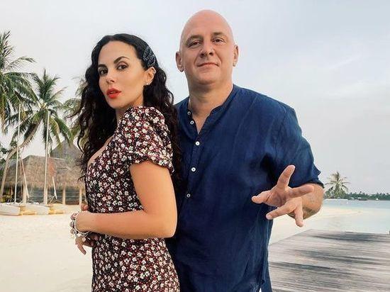 Украинская певица Настя Каменских на странице своего Instagram-блога продолжает публиковать снимки с отпуска на Мальдивах