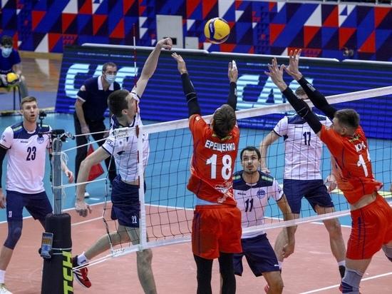 Красноярские волейболисты в гостях уступили «Уралу»