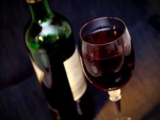 Даже стакан вина в день может привести к аритмии