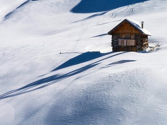 В Японии при уборке снега погибли свыше 60 человек