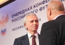 """Ве зависимости от того, какой именно способ реформирования клубного футбола будет выбран, Российский футбольный союз не собирается прислушиваться к мнению тех, кем официально руководит – к такому выводу приходит обозреватель """"МК-Спорт"""", вспоминая предыдущие реформы нашего футбола."""