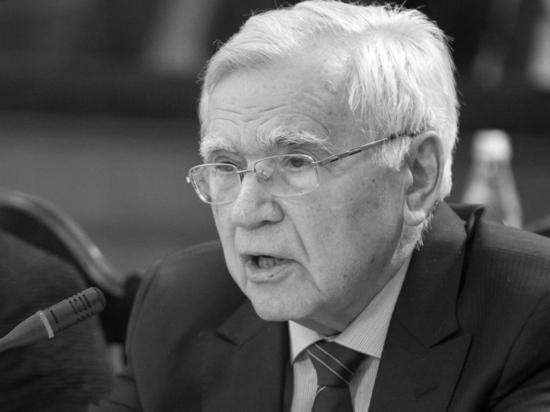 """Как стало известно """"МК"""", бывший первый секретарь ЦК ВЛКСМ, экс-депутат Госдумы, дипломат Борис Пастухов скончался на 88-м году жизни"""