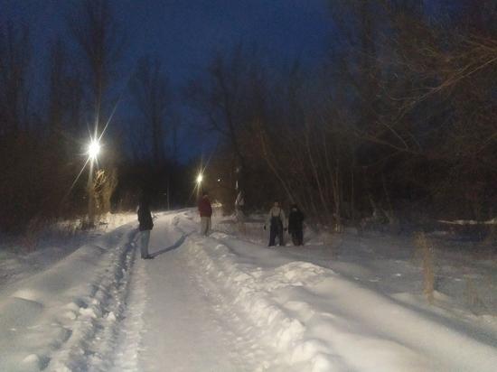Житель Первомайского увидел полицейских и выбросил в снег коноплю
