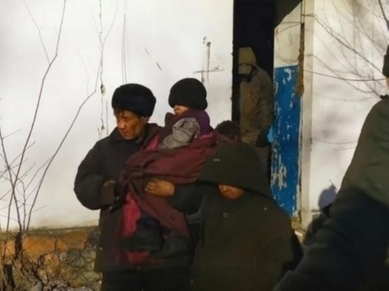 Отец детей-маугли из Читы захотел забрать их после выхода из колонии