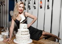 Травмой ноги закончилась для фигуристки Анастасии Гребенкиной вечеринка в честь дня рождения