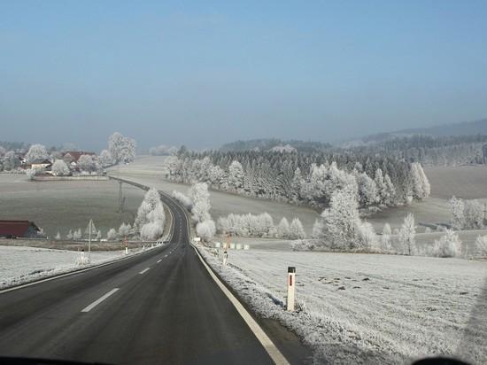 Из-за бурана опять закрыты дороги из Омска в Казахстан