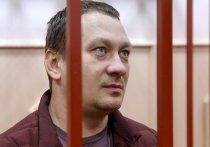 Три предупреждения за неподчинение суду схватил экс-полицейский Игорь Ляховец, обвиняемый в подбросе наркотиков журналисту Ивану Голунову