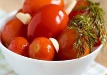 Жителей Серпухова предостерегли от покупки консервированных помидор