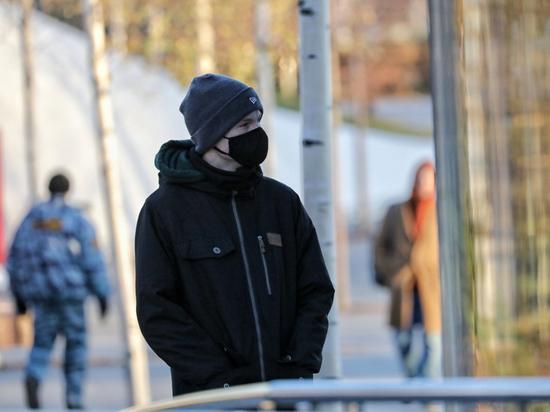 За то время, что прошло с момента начала пандемии, люди привыкли к огромному многообразию масок: медицинские, марлевые, тканевые, самодельные и покупные, специальные респираторы… Не все маски одинаково полезны; в Германии, например, на этой неделе говорили о том, что надо обязать всех носить только респираторы, но в итоге разрешили носить маски