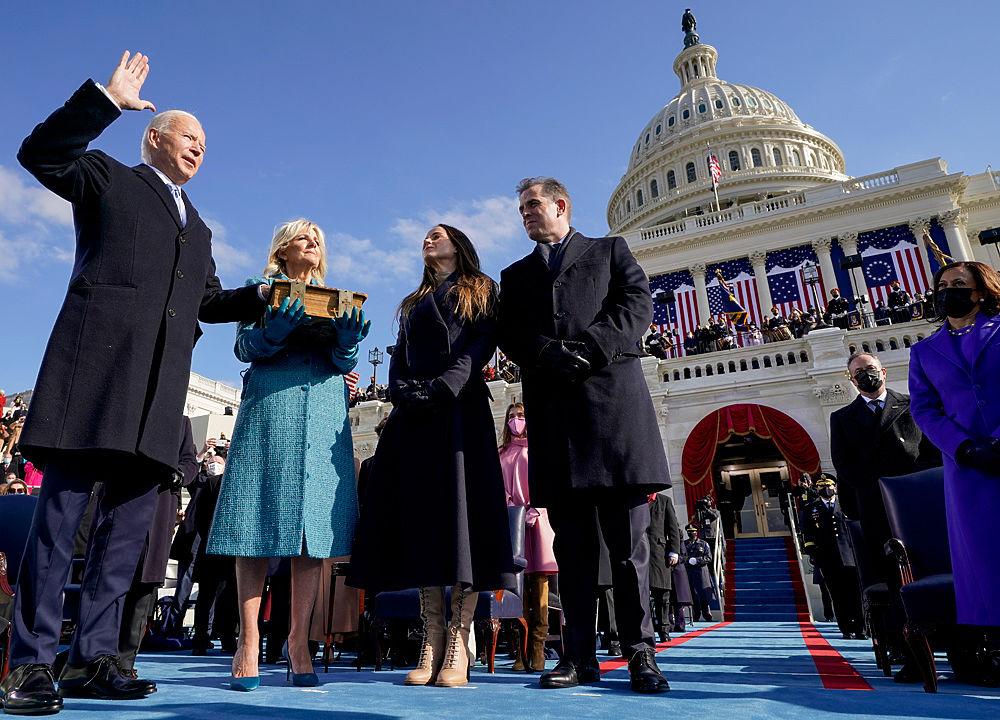 Инаугурация Байдена обернулась бенефисом женщин: лучшие наряды церемонии