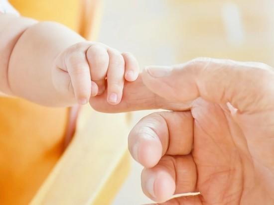 В Госдуме захотели уголовно наказывать за рекламу суррогатного материнства