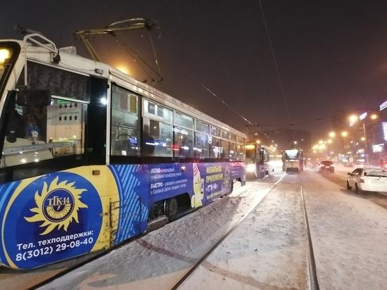 Замыкание в грозоразряднике остановило работу трамваев в Улан-Удэ на 40 минут