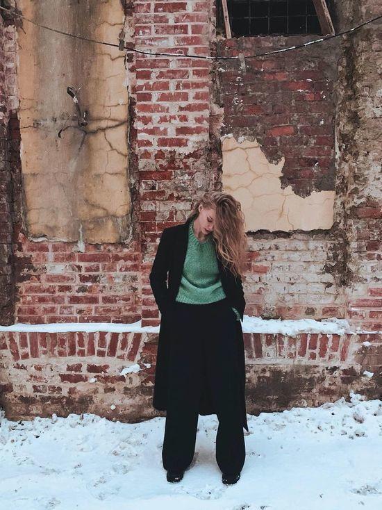 Ходченкова показала рельефные ноги в женственном боди