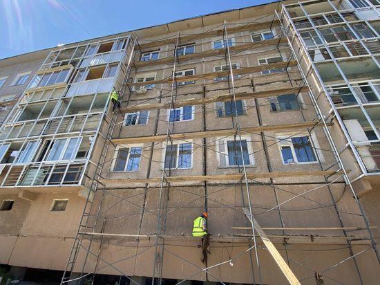 Сегодня в ответ на публикации в СМИ и соцсетях о росте тарифов на капитальный ремонт жилых МКД в регионе, Министерство ЖКХ и Энергетики РС (Я) опубликовало разъяснения о том, из чего складывается тариф на капремонт и с чем связано его повышение