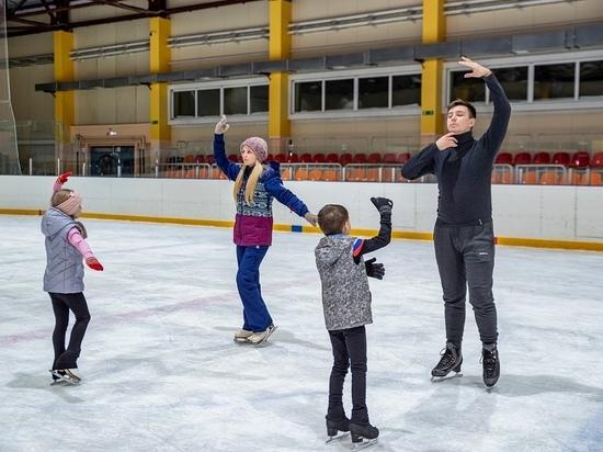 В Яр-Сале возобновились тренировки по фигурному катанию и хоккею