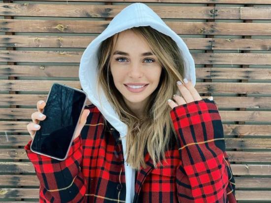 Актриса, звезда «Универа» Анна Хилькевич рассказала в Instagram, что она в 15-летнем возрасте стала жертвой сексуальных домогательств