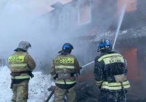 В Уфе при пожаре эвакуировали 18 взрослых и семь детей
