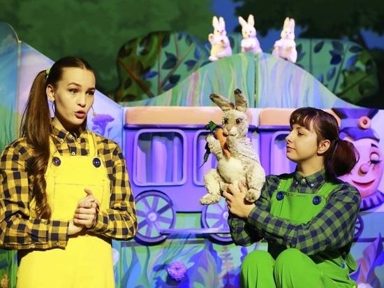 Псковичи раскупили все билеты на ближайшие спектакли театра кукол