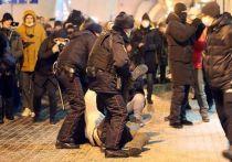 Товарищи, кто-то из вас, видимо, в самом деле был искренне удивлен, когда Навального увезли из «Шереметьево» в кутузку