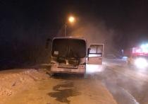 На Магистральной в Ноябрьске сгорел автобус