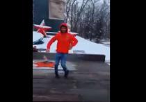 Жителей Ставропольского края возмутило видео, на котором некий молодой человек танцует лезгинку на Вечном огне