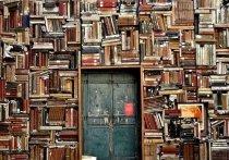 """1.   Сесил Скотт Форестер """"Грейхаунд"""", или Добрый пастырь    Классический роман Сесила Скотта Форестера, прославившегося циклом книг о приключениях мичмана Хорнблауэра"""