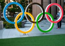 Власти Японии высказались против проведения Олимпиады-2020 в Токио в этом году из-за прогрессирующей ситуации с коронавирусом. Официальные лица уже опровергли информацию о возможной отмене, однако некоторые чиновники Японии настаивают на переносе. «МК-Спорт» - о варианте переноса ОИ-2020 на четыре года.