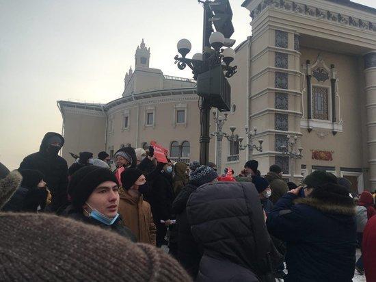 В Улан-Удэ проходит акция протеста в поддержку Навального