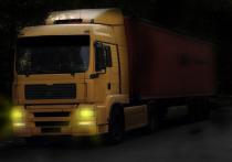 В Донецке перевернулся грузовой автомобиль