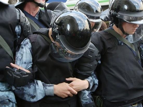 В кабмине отклонили законопроект о наказании за вовлечение детей в митинги