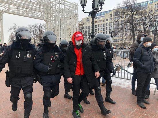 В Москве начались задержания на несогласованной акции