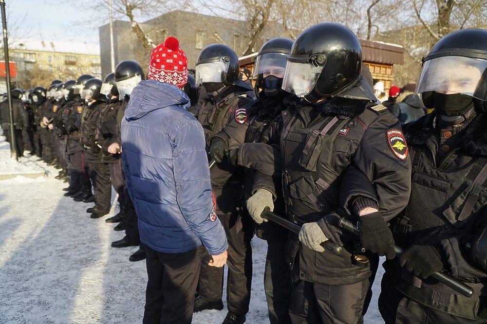 Фотографии с шествия в поддержку политика Алексея Навального