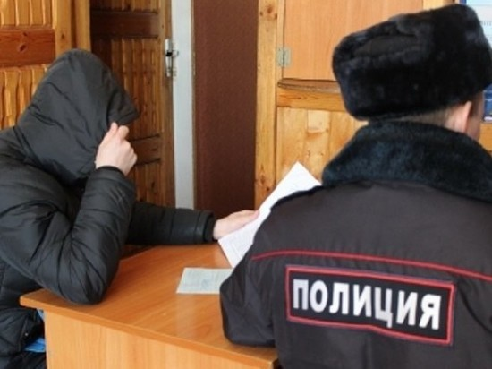 Костромским полицейским пришлось задержать несколько человек которые мешали движению машин
