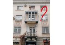 Сделавшему ремонт краснодарцу придется вернуть старый балкон историческому зданию