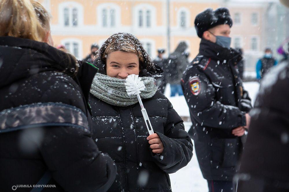 Несанкционированный митинг в поддержку Навального прошёл в Петрозаводске